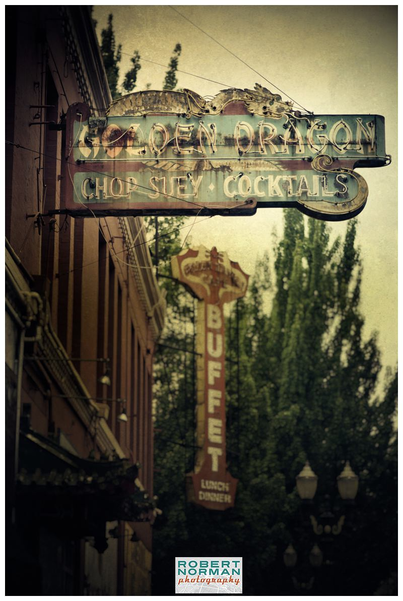portland-oregon-photos-downtown-signage-