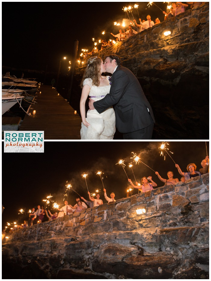 Belle-Haven-wedding-sparklers-send off