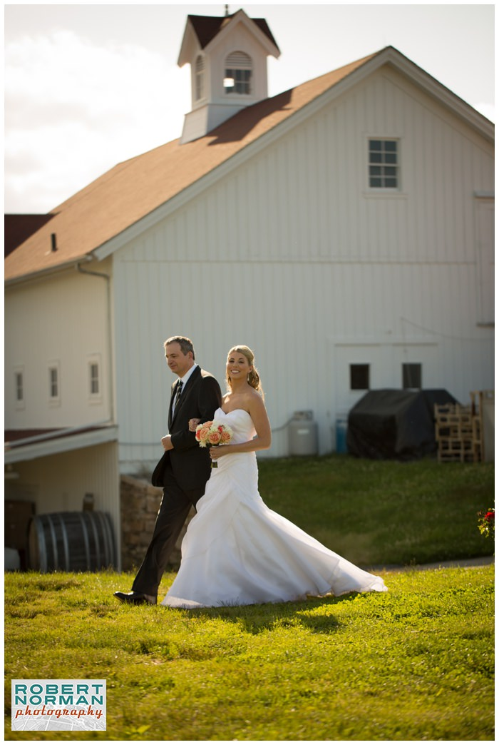 Jonathan-Edwards-Winery-wedding-robert-norman-photography-connecticut