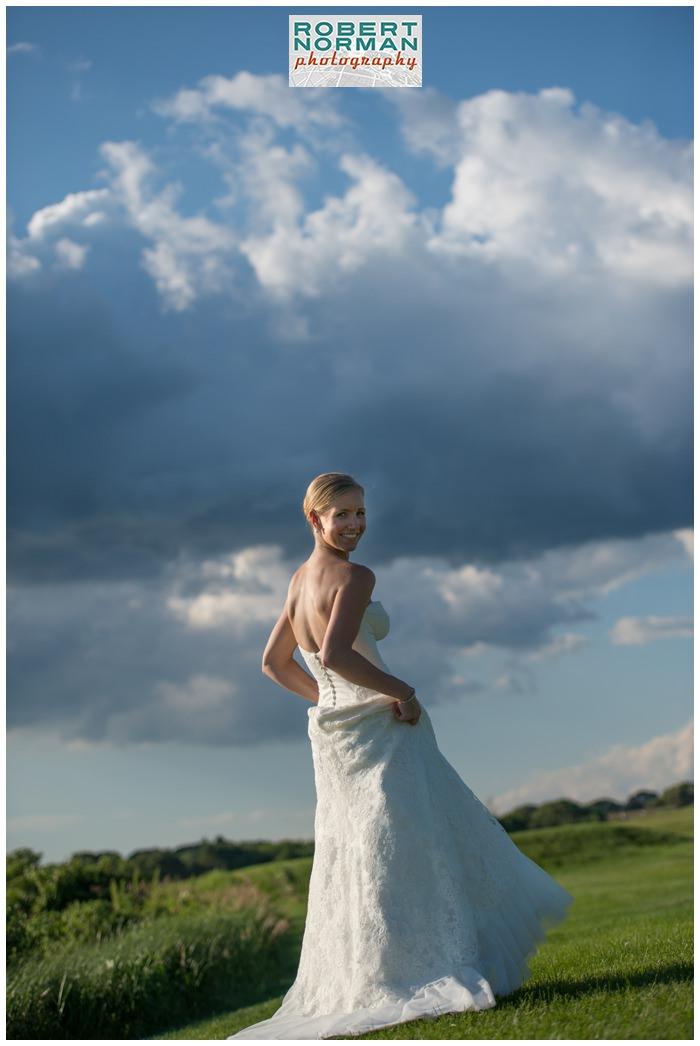 weekapaug-golf-club-rhode-island-wedding-amazing-clouds