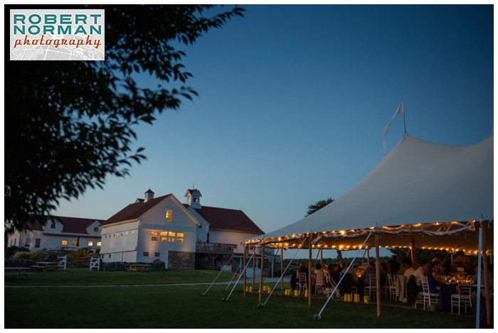 jonathan-edwards-winery-dusk-wedding-connecticut-robert-norman-photography