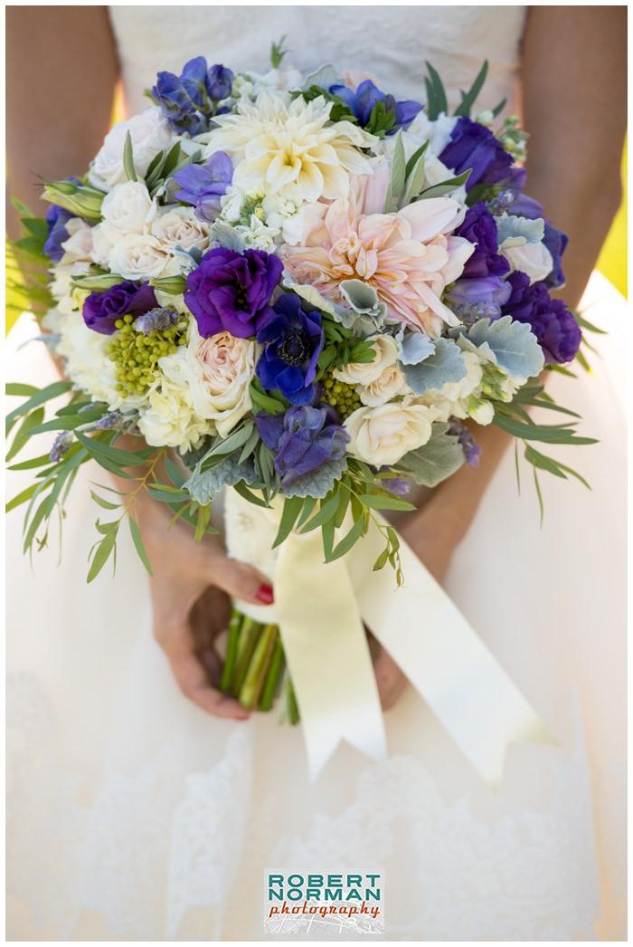 Saltwater-Farm-Vineyard-wedding-Stonington-Connecticut-hana-floral-design