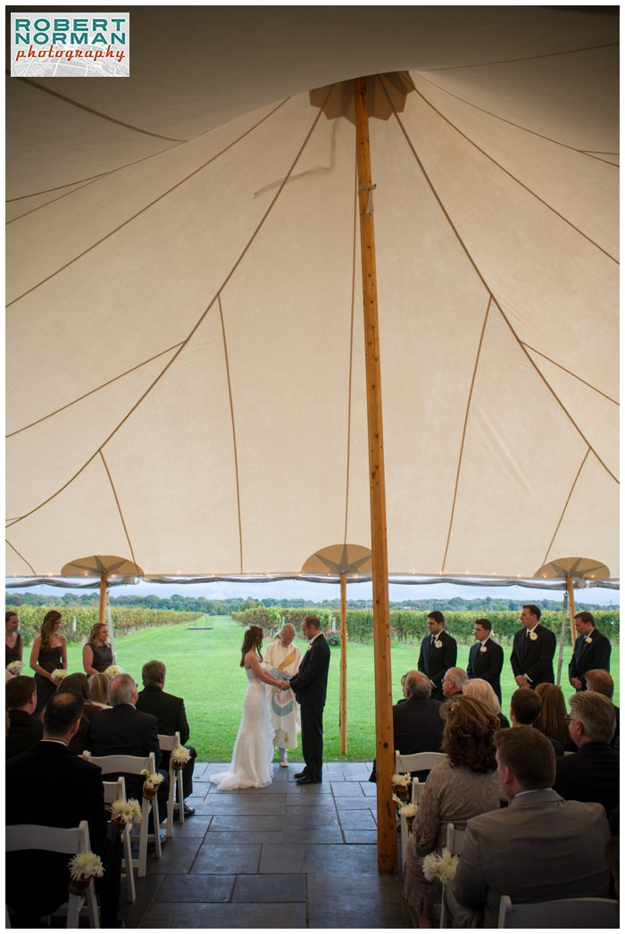 saltwater-farm-vineyard-wedding-stonington-Connecticut-sperry-tent