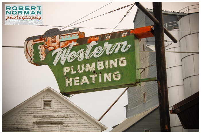 Bozeman-montana--Yellowstone-national-park-winter-vintage-signage